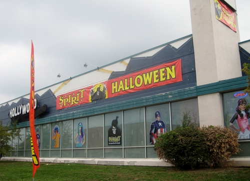 Spirit Halloween Exterior.JPG